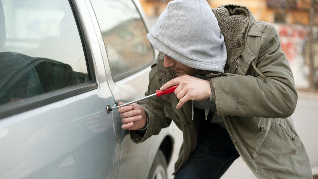 Imagem ilustrativa do texto sobre roubo de carro